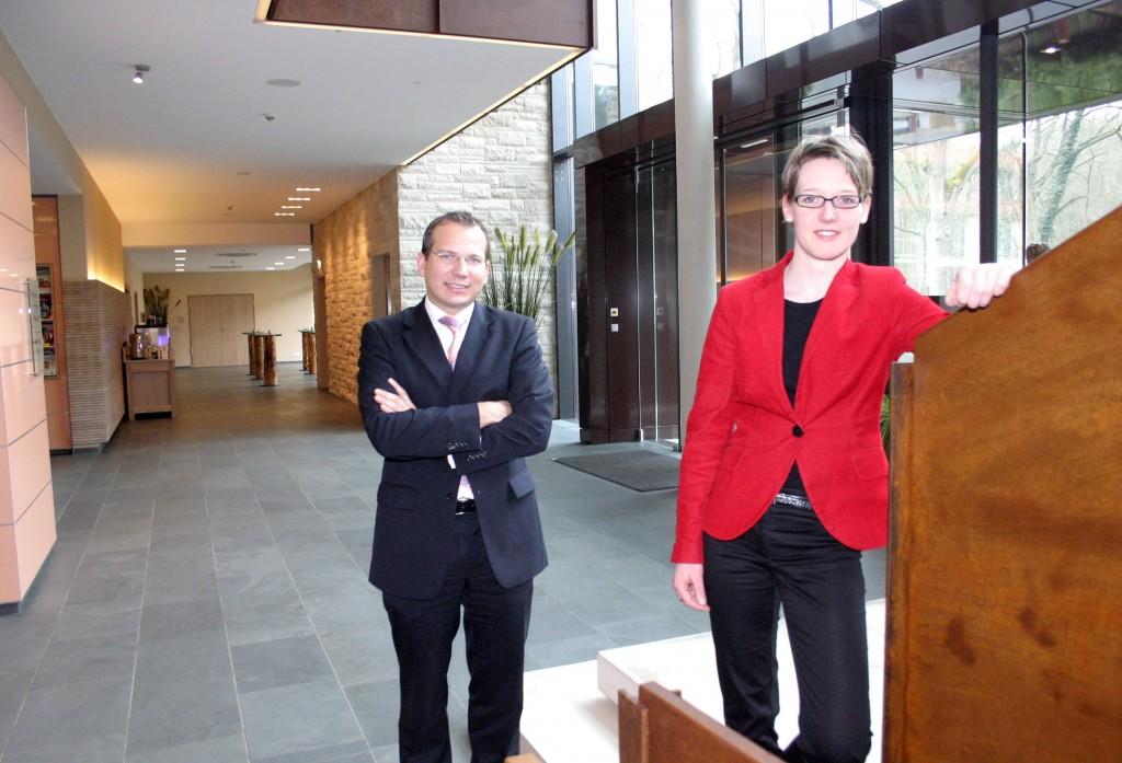 Miteigentümer Georg Rosentreter und Melanie Thöne, die ehemalige Leiterin des Gräflichen Landsitzes Hardenberg Foto: Liebig-Braunholz
