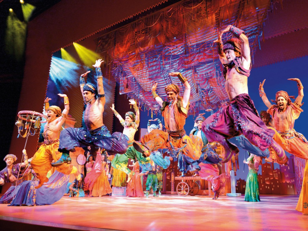 Die 38 Darsteller des Ensembles Aladdin wurden in mehreren Castings aus über 1.500 Bewerbern ausgewählt. Alle Fotos: Stage Entertainment
