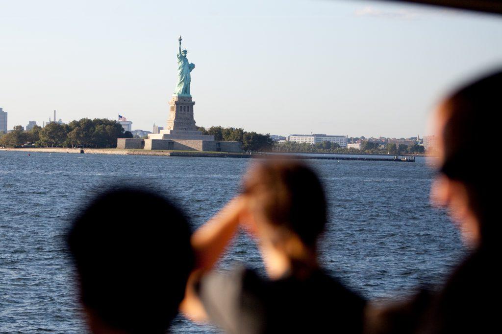 Fähre von Staten Island nach New York City mit Blick auf die Freiheitsstatue. Foto: Malcolm Brown